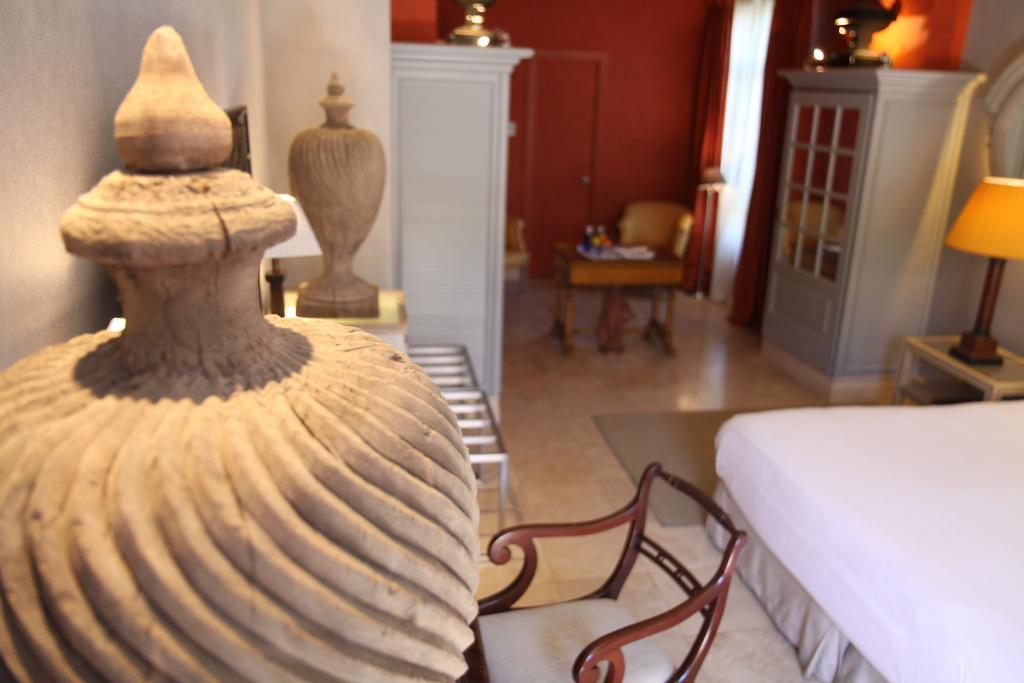 https://casadelpoeta.es/wp-content/uploads/2018/07/suite-room-casa-del-poeta.jpg.jpg